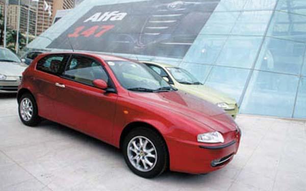 Фото Alfa Romeo 147