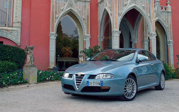 Фото Alfa Romeo GT Coupe