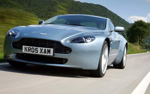 Фото Aston Martin V8 Vantage  (2005-2012)