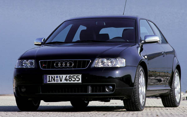 Фото Audi S3  (2000-2004)