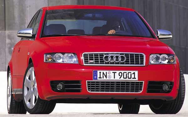 Фото Audi S4  (2003-2004)