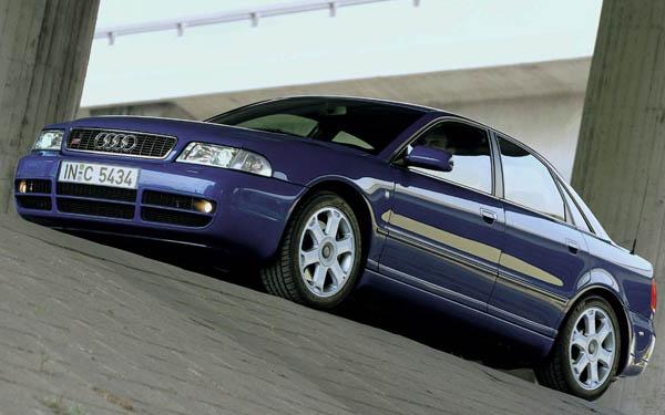 Фото Audi S4  (1997-2002)
