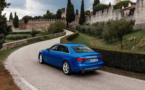Фото Audi A4