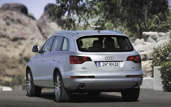 Фото Audi Q7  (2005-2009)