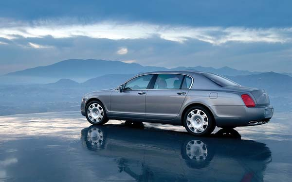 Фото Bentley Continental Flying Spur  (2005-2013)