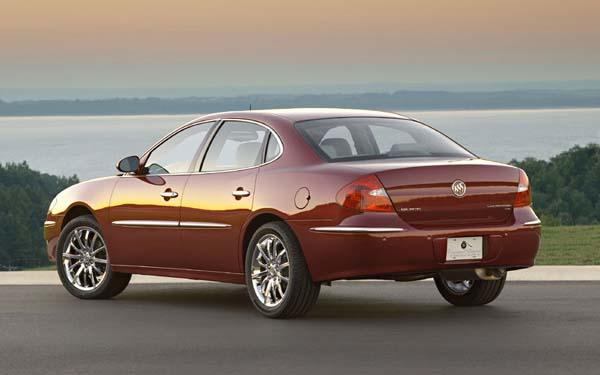 Фото Buick LaCrosse  (2004-2006)