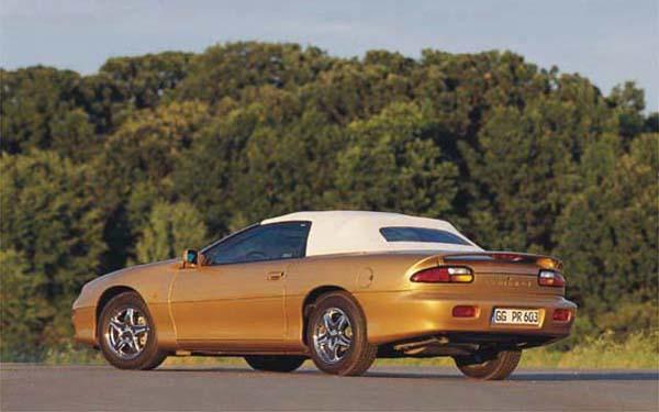Фото Chevrolet Camaro Convertible (1995-2002)
