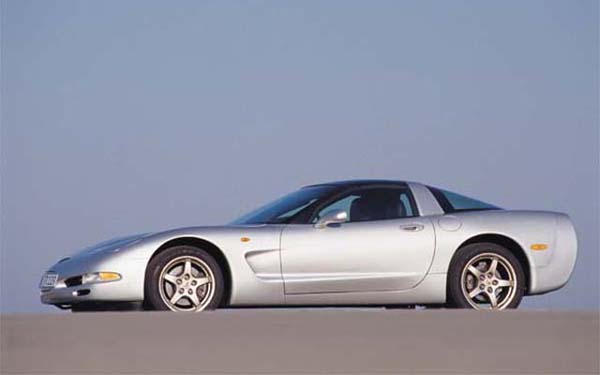 Фото Chevrolet Corvette  (1997-2003)