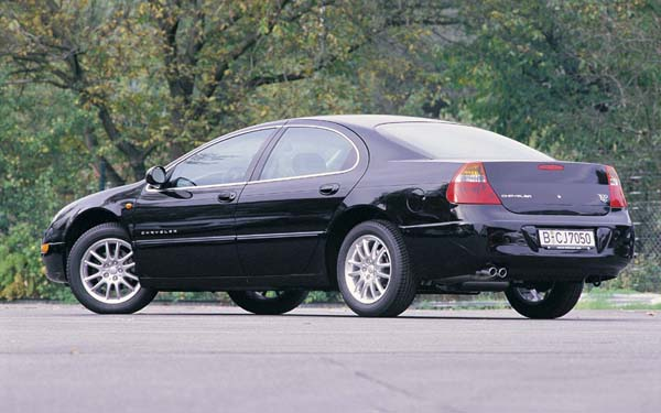 Фото Chrysler 300M