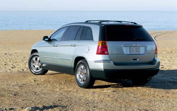 Фото Chrysler Pacifica  (2003-2008)