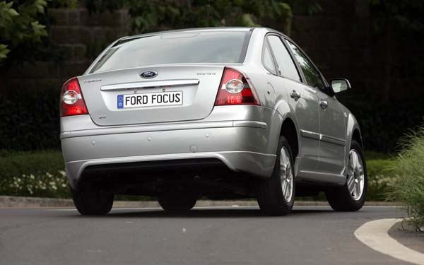 Фото Ford Focus Sedan  (2004-2007)