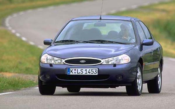 Фото Ford Mondeo  (1993-1999)