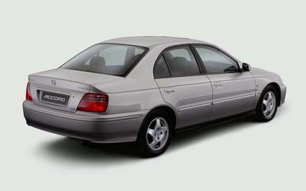 Фото Honda Accord  (1998-2001)