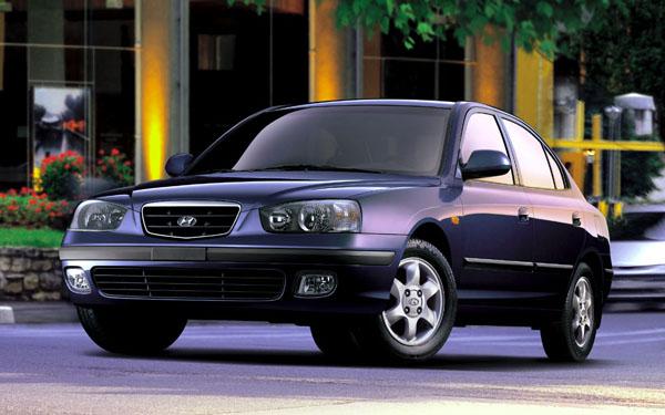 Фото Hyundai Elantra  (2000-2003)