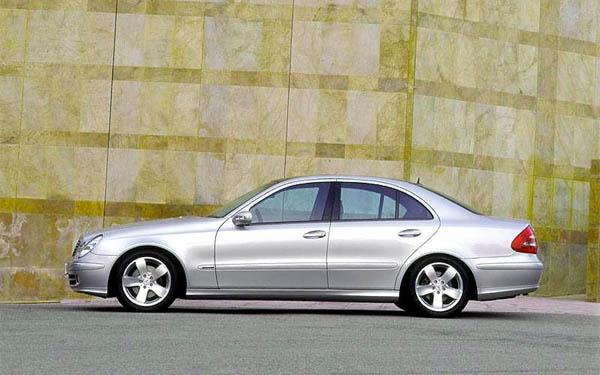 Фото Mercedes E-Class  (2002-2008)