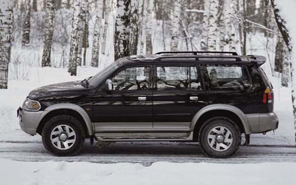 Фото Mitsubishi Pajero Sport  (1999-2008)