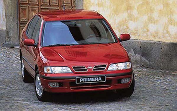Фото Nissan Primera  (1996-1999)