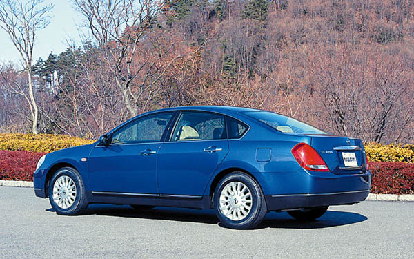Фото Nissan Teana  (2004-2008)