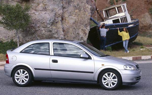 Фото Opel Astra  (1998-2003)