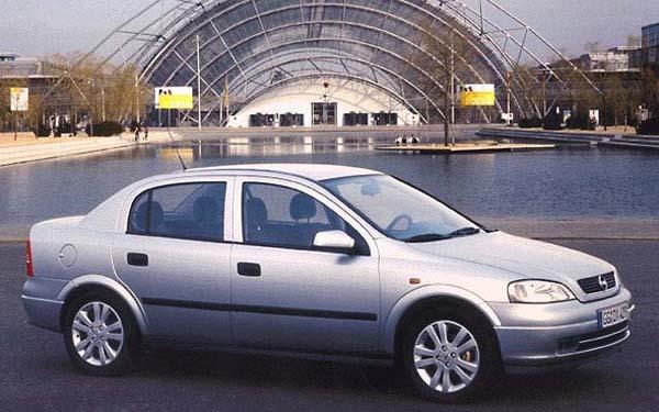 Фото Opel Astra Sedan  (1998-2005)