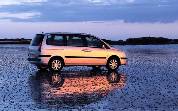 Фото Peugeot 807  (2002-2007)