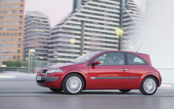 Фото Renault Megane Coupe  (2002-2008)