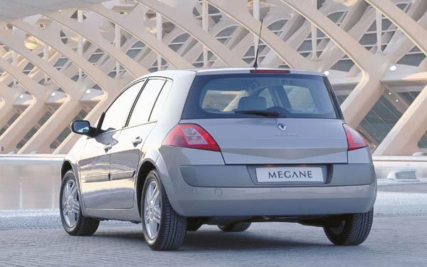 Фото Renault Megane  (2002-2008)