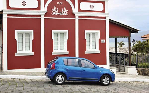 Фото Renault Sandero  (2007-2014)