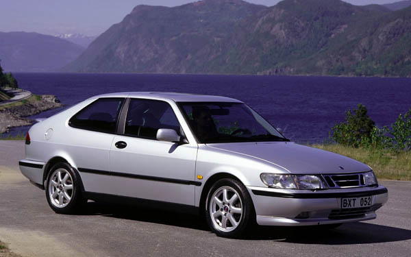 Фото SAAB 900 Coupe