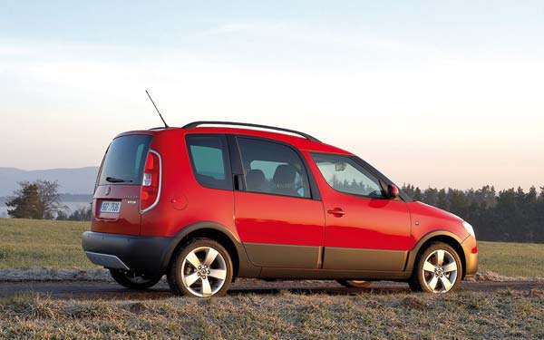 Фото Skoda Roomster Scout  (2007-2010)