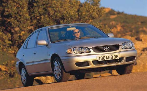 Фото Toyota Corolla  (2000-2001)
