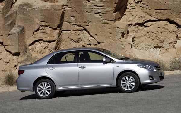 Фото Toyota Corolla  (2007-2010)