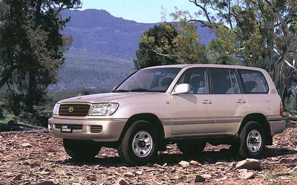 Фото Toyota Land Cruiser 100  (1998-2007)