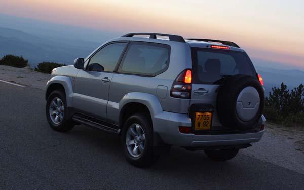 Фото Toyota Land Cruiser Prado 3dr  (2003-2009)