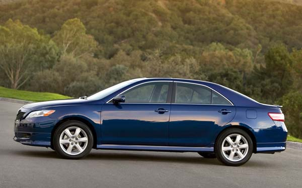 Фото Toyota Camry  (2006-2009)