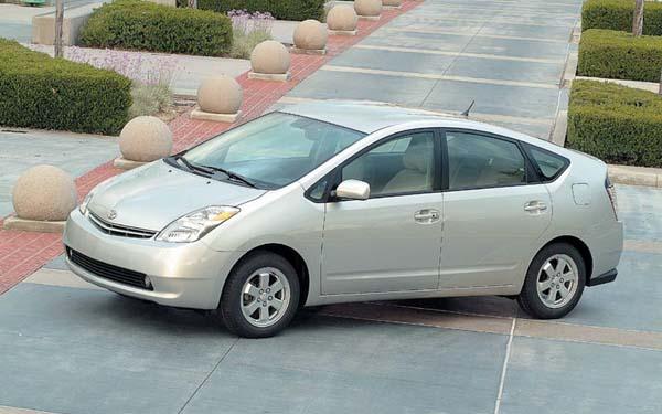 Фото Toyota Prius  (2003-2008)