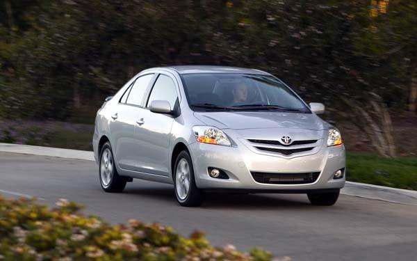 Фото Toyota Yaris Sedan  (2007-2015)