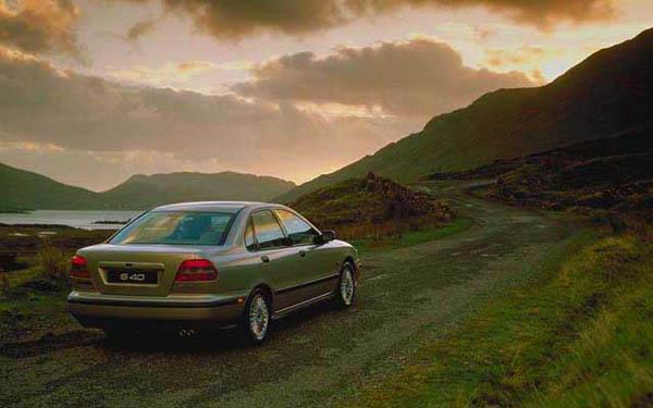 Фото Volvo S40  (1995-1999)