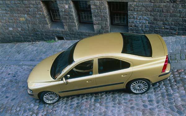Фото Volvo S60  (2000-2009)