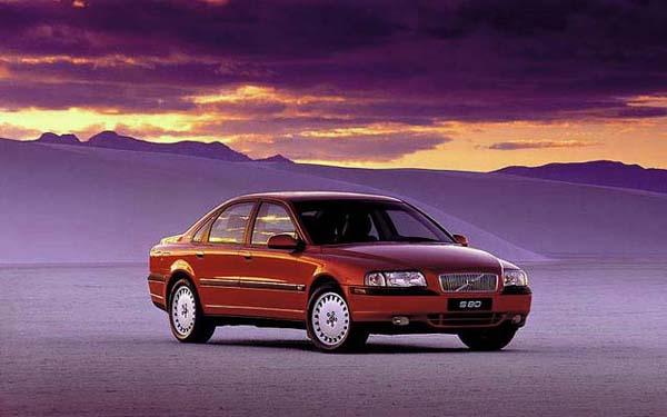 Фото Volvo S80  (1998-2005)