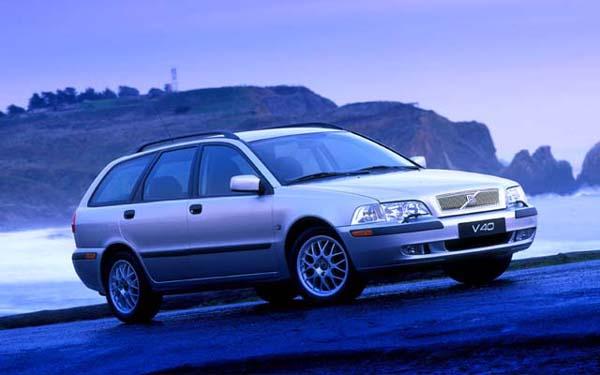 Volvo 40 2001