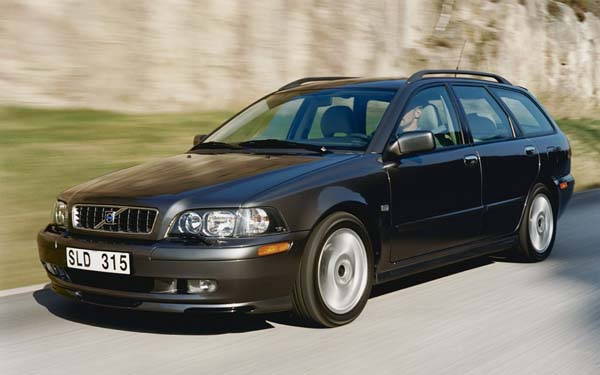 Фото Volvo V40  (2002-2003)