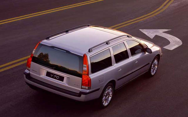 Фото Volvo V70  (2000-2006)