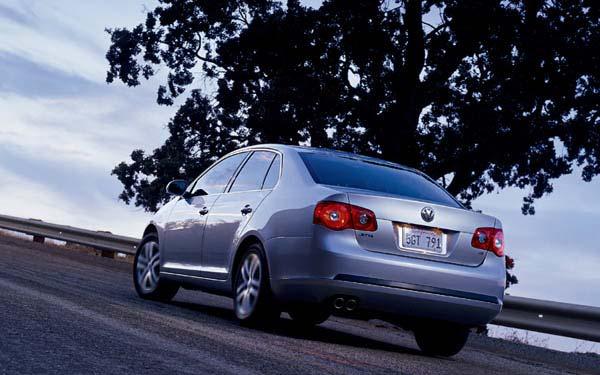 Фото Volkswagen Jetta  (2005-2010)