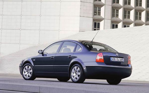 Фото Volkswagen Passat  (2000-2004)