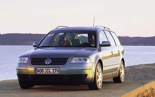 Фото Volkswagen Passat Variant  (2000-2005)